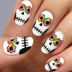 unhas halloween nail