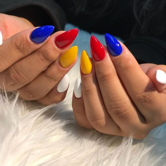 unhas multicoloridas 1
