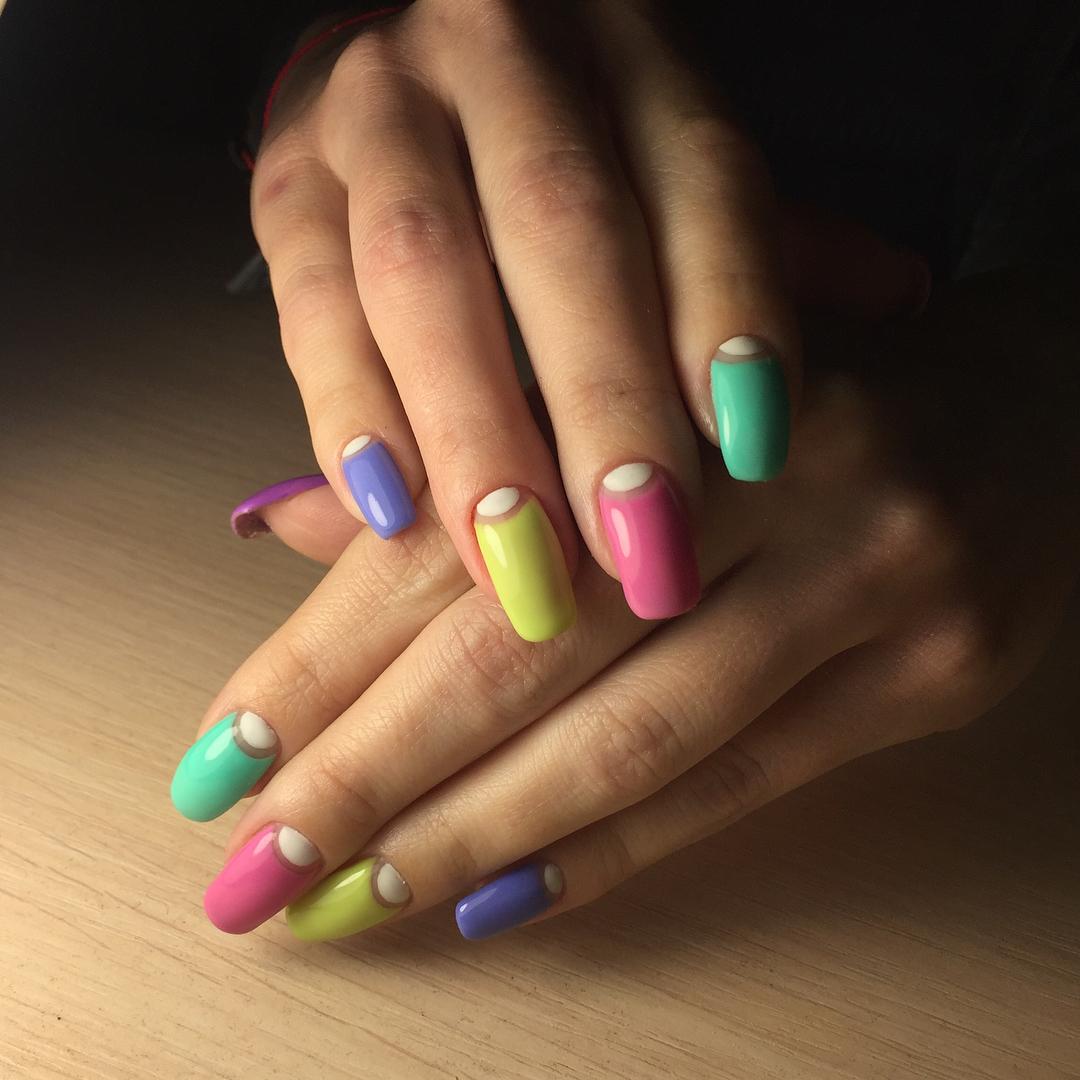 unhas multicoloridas 2