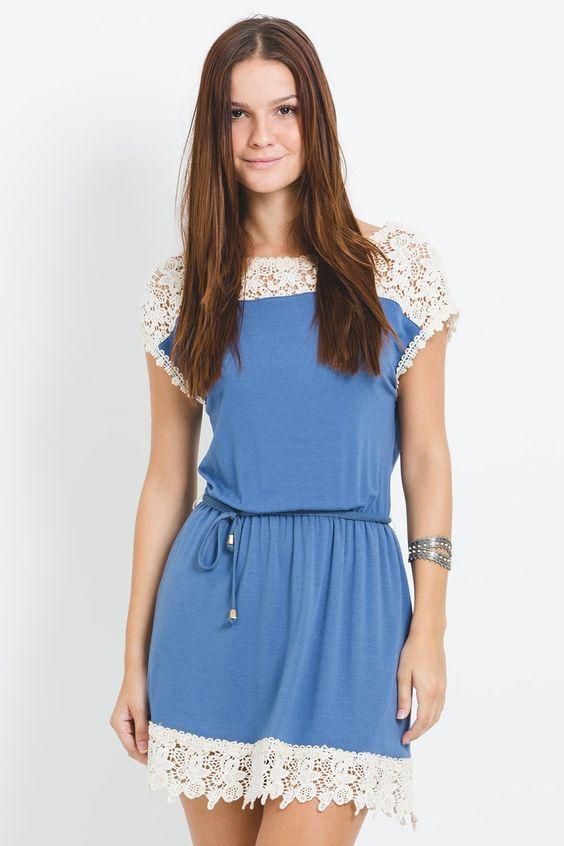 vestido barrado renda azul