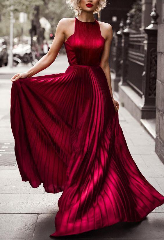 vestido vermelho curto plissado